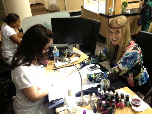 Megyn B getting a mani!