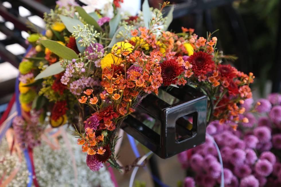 Neuro Flower Crown Booth! *photo credit ALEX WYMAN