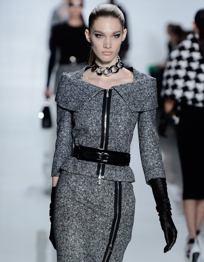 michael-kors-fall-2013-runway-collection-was-demure-yet-edge-with-slim-lady-like-silhouettes-yet-hard-metal-and-zippered-accents