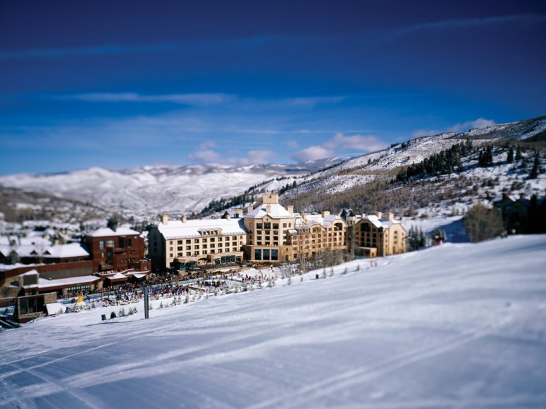 Condé Nast Traveler Feature : The Best Ski Resorts & Hotels in North America
