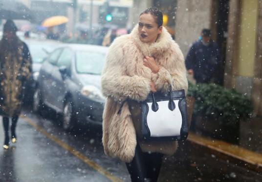 http://tgifguide.com/wp-content/uploads/2015/03/fashion_winter_knits_inspiration_editorial_somewear_02-86x74.jpg