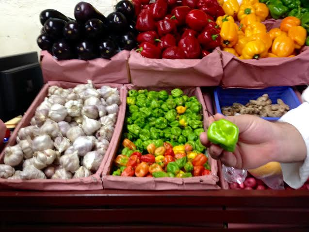 Local Explorers : The Market at Zihuatanejo with Chef Miguel Baltazar