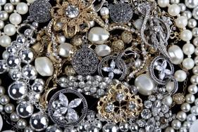 10776160-Jewelry-Background-Stock-Photo-jewelry-diamonds-pearls