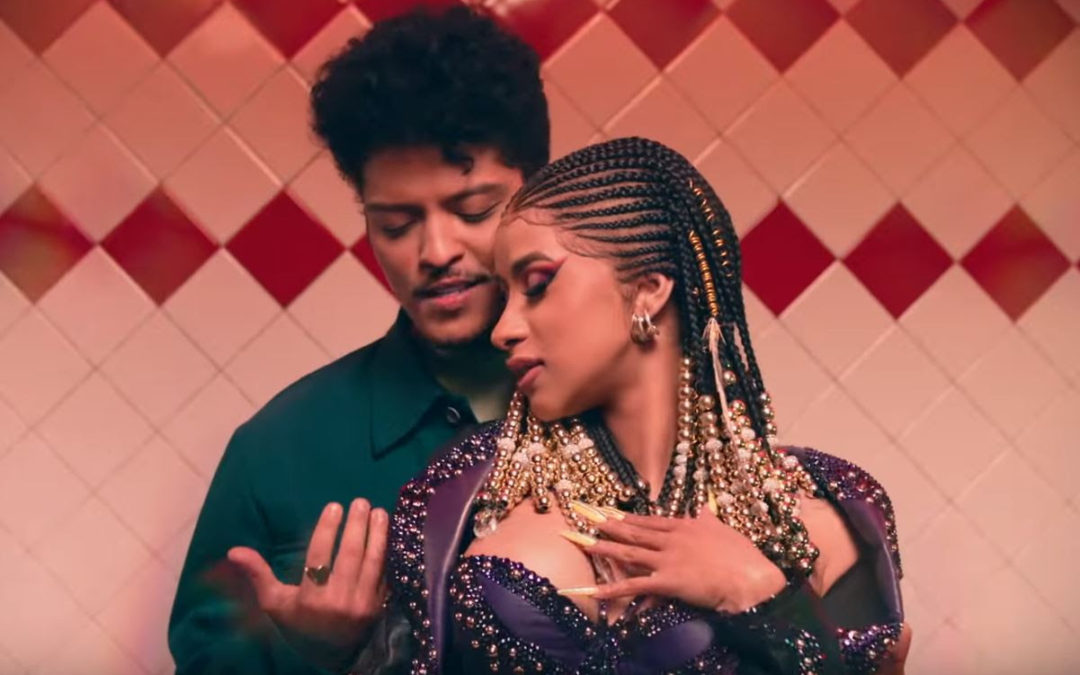 GRAMMY WINNING ARTIST  CARDI B  HYPNOTIZES Along Side   BRUNO MARS  In VENDORAFA ONDA Collection
